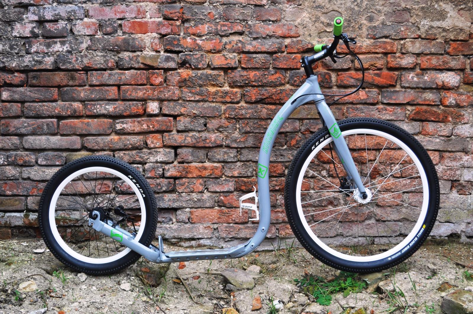 1f4e13bc055 Custom koloběžky od Ládi Bartůňka