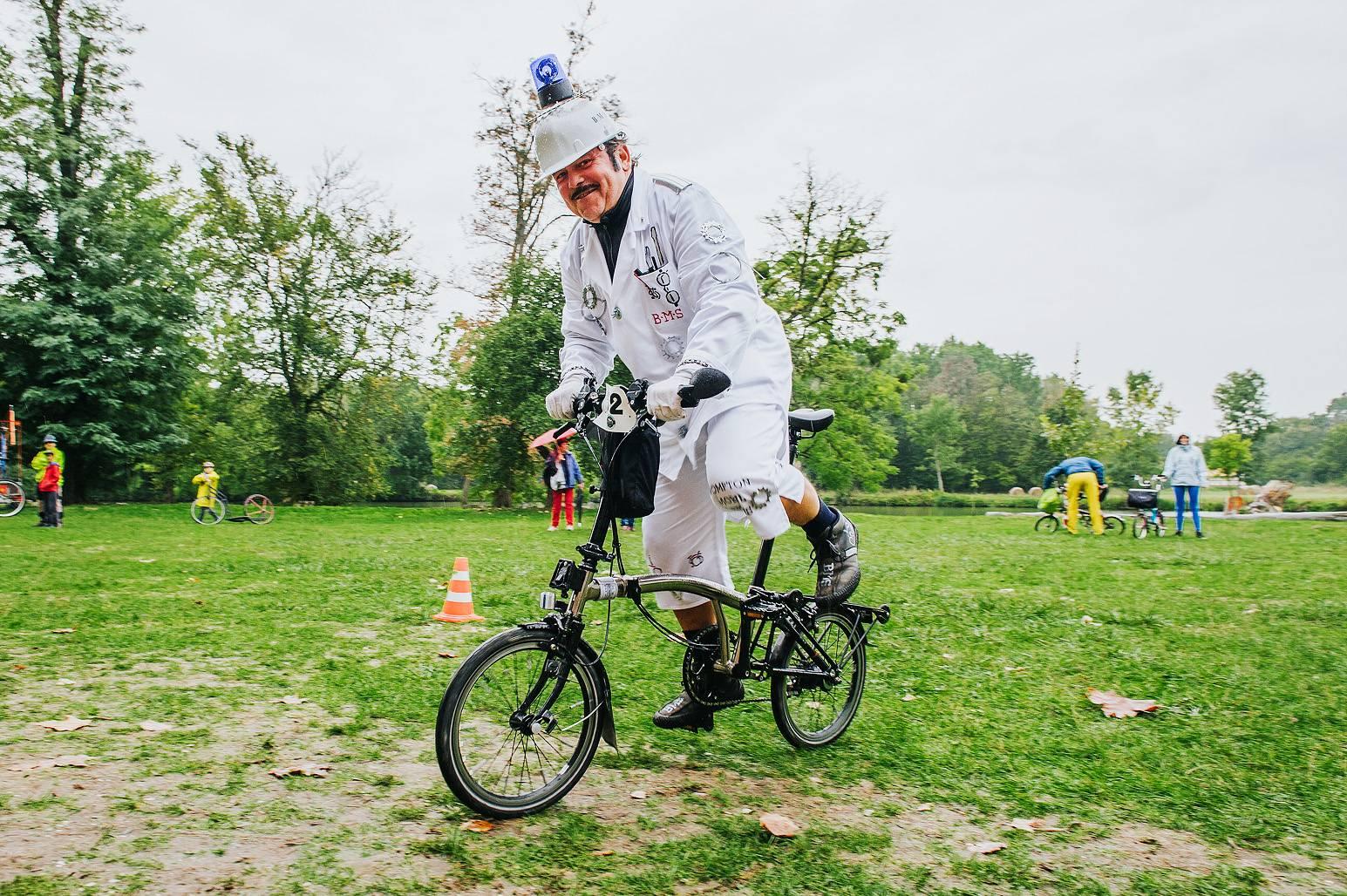 5c1706586f5c8 Festival Cyklospecialit a MČR a SR Brompton 2017