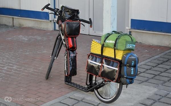 Zadní nosič a brašny na expediční Kostku