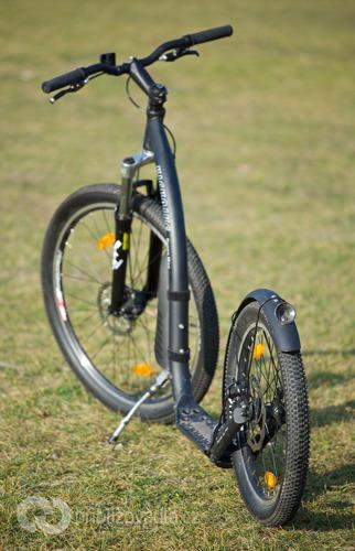Terénní koloběžka Kickbike Cross Max 20D