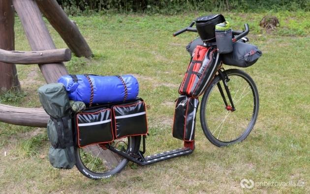 Zadní nosič na koloběžku Kostka