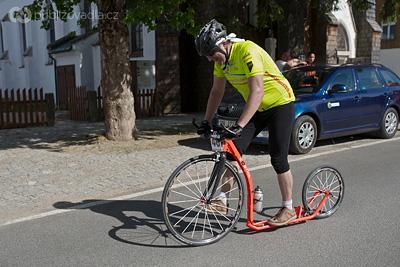 Václav Jun na koloběžce Kostka Racer Pro