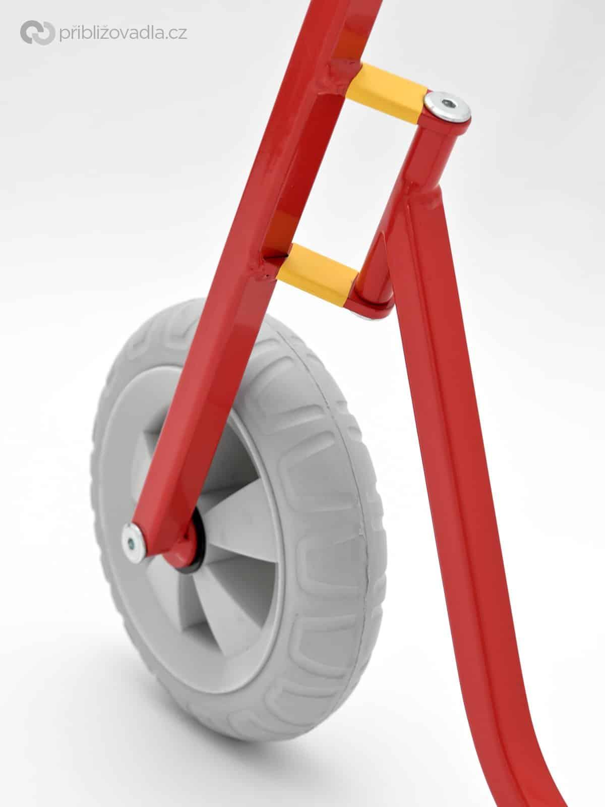 Jde to třeba i takto :-) Ale to je specifický stroj –K-bike K2 –čtěte zde
